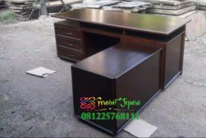 Meja Kantor Jati Jepara Model Minimalis Modern