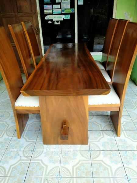 set meja makan trembesi solid